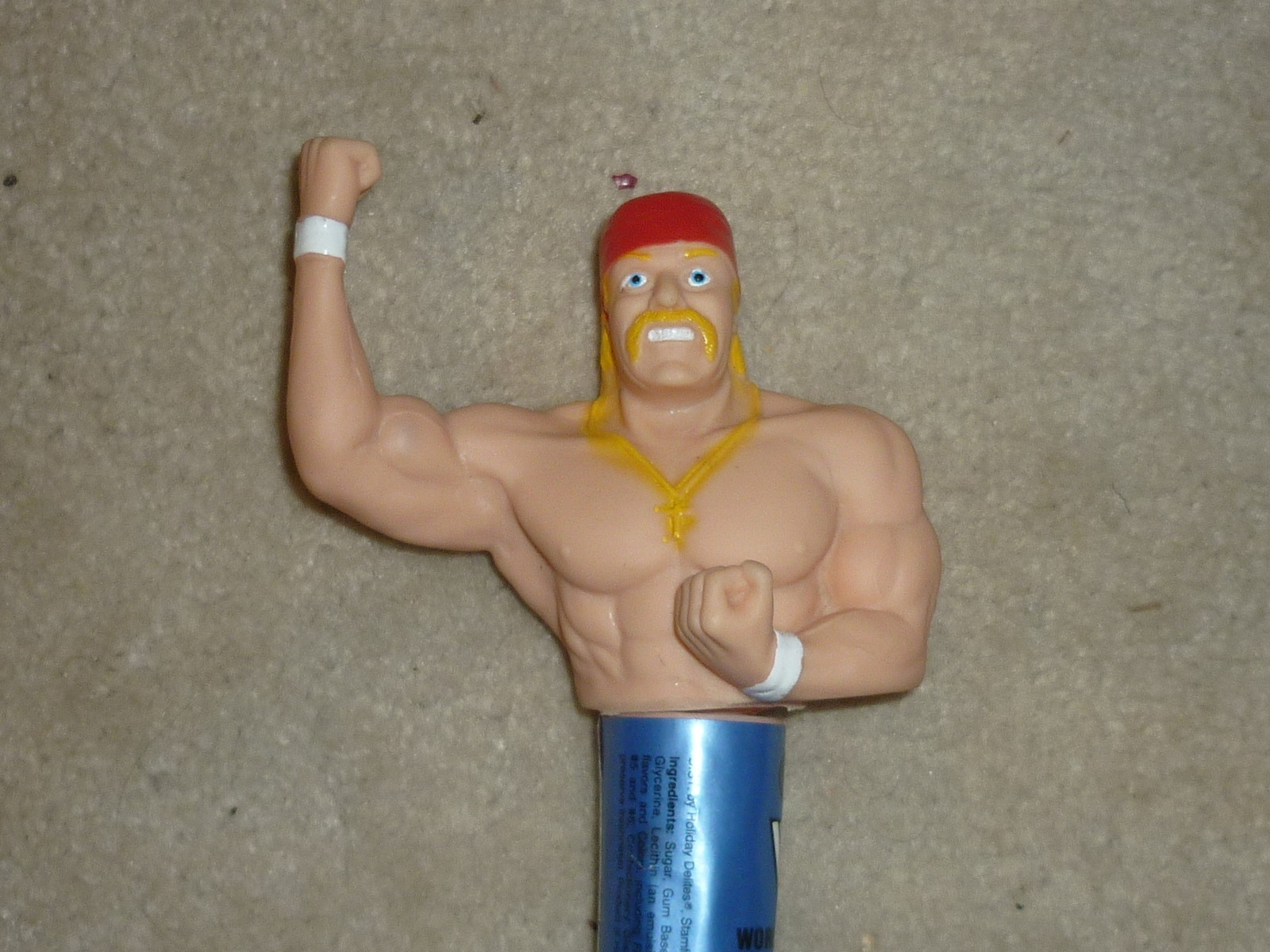 Hulk Hogan Finger Puppet Bubble Gum
