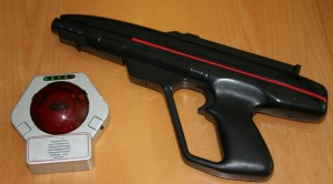 Lazer-Tron game gun and target