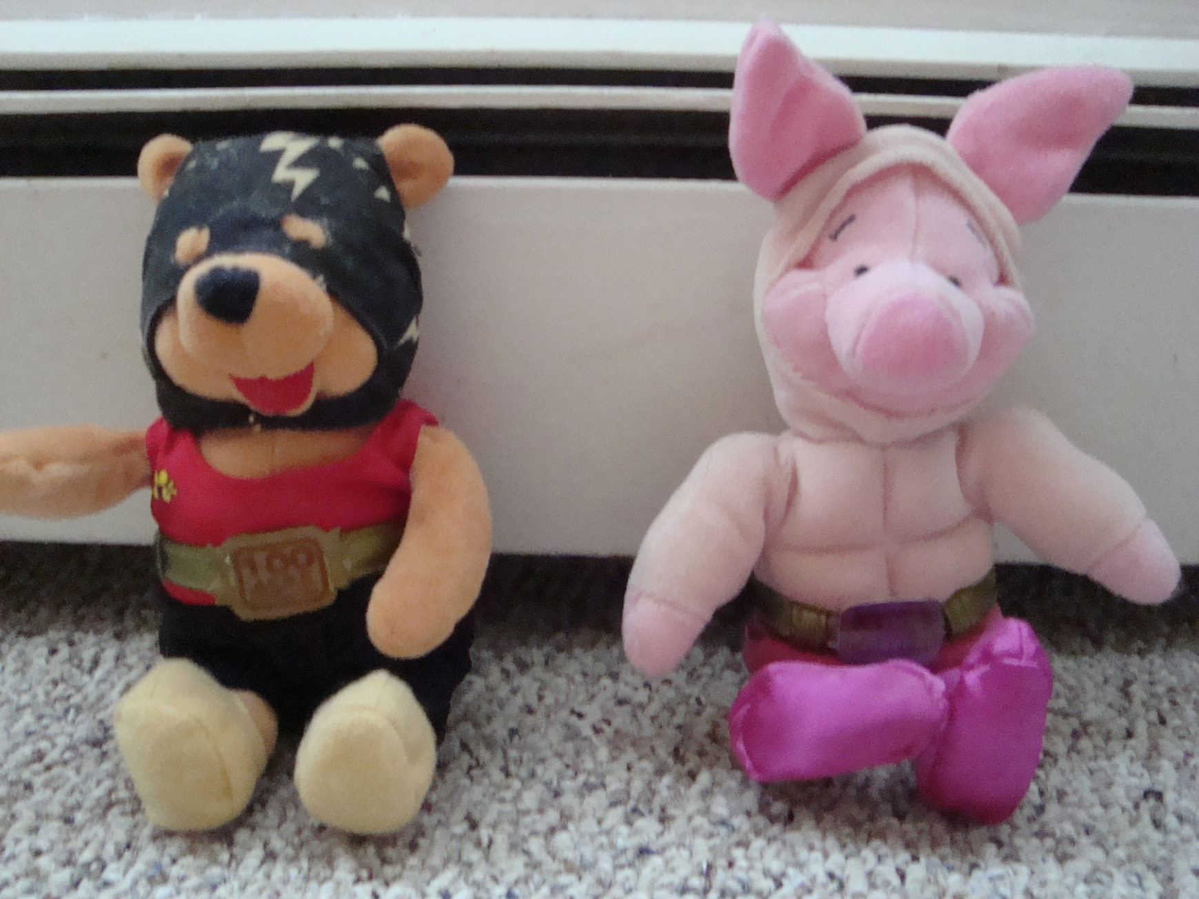 Winnie The Pooh And Piglet wrestlers plush toys