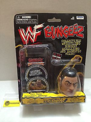 WWF Bungeez medallion and magnet The Rock